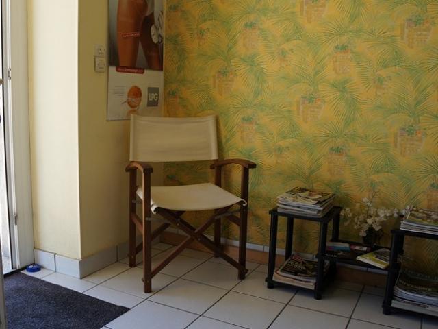 Salle attente cabinet kine osteo rue Guezo Larmor
